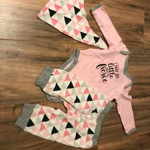 6 mo 3 pc outfit